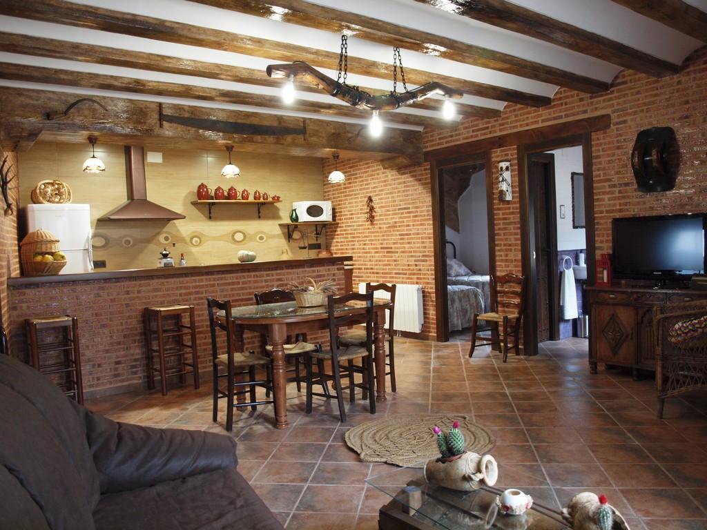 Casa rural en valverde de jucar cuenca balcon de san roque for Cocinas para casas rurales