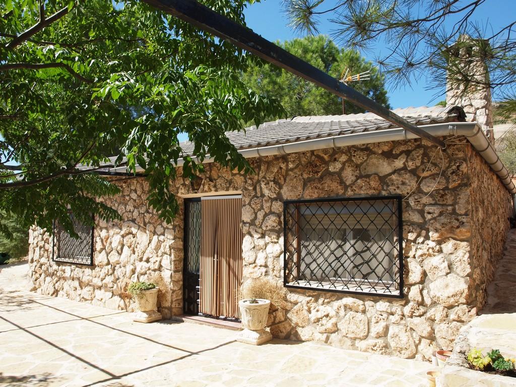 Casa rural en valverde de jucar cuenca balcon de san roque for Exteriores de casas rusticas